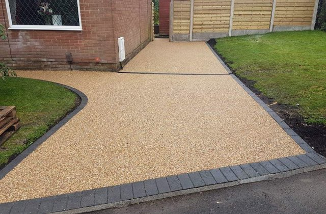 Resin Bound Gravel Drives in Oldham, Royton
